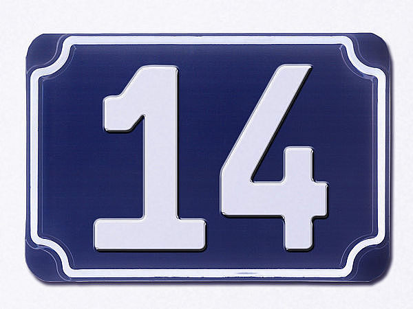 Blaue geprägte Haus Nummer 14