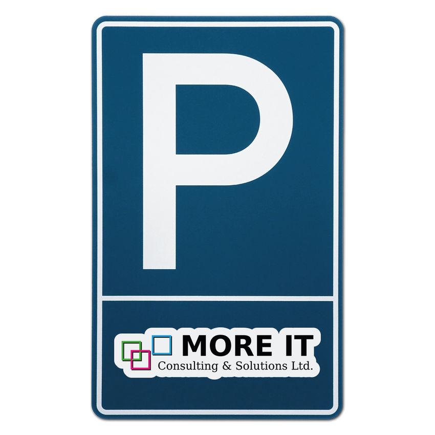 Parkplatzschild mit Firmenlogo bei SchilderShop