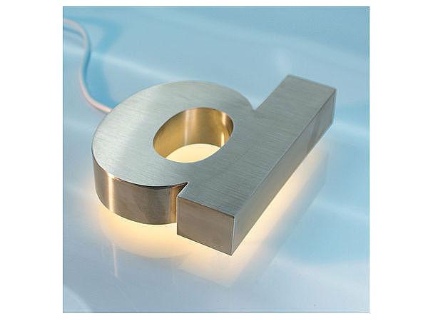 3D Edelstahl - Hausnummer mit weißen LEDs - Buchstabe d
