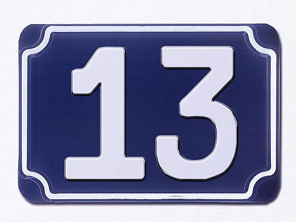 blaue gepr gte haus nummer 13 hausnummern und schilder. Black Bedroom Furniture Sets. Home Design Ideas