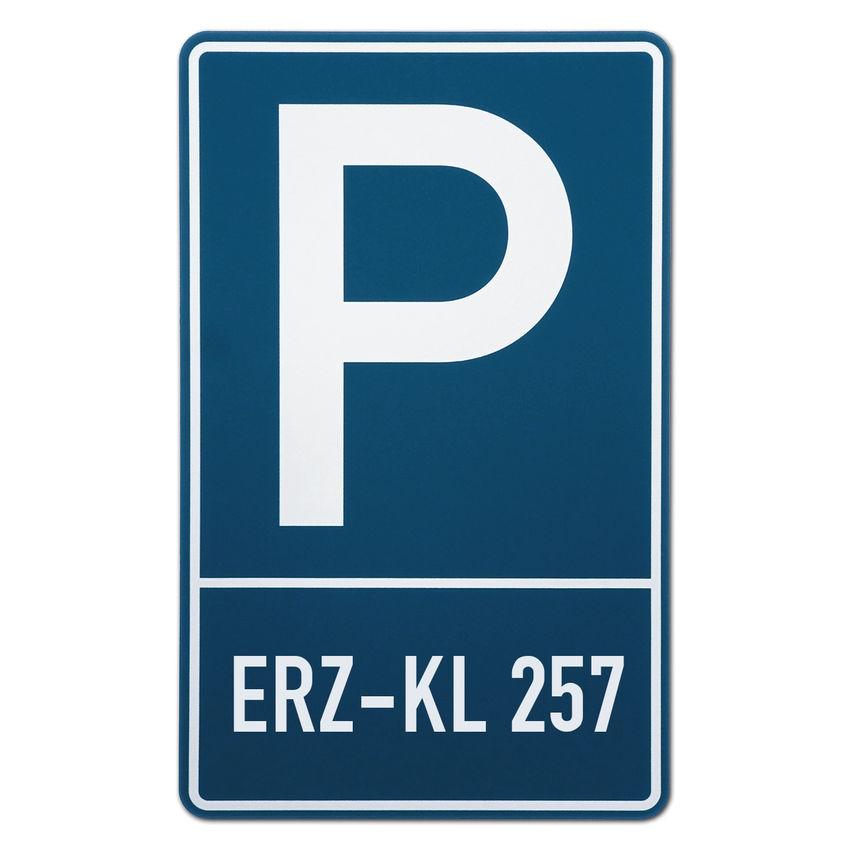 parkplatzschild mit ihrem kennzeichen hausnummern und. Black Bedroom Furniture Sets. Home Design Ideas