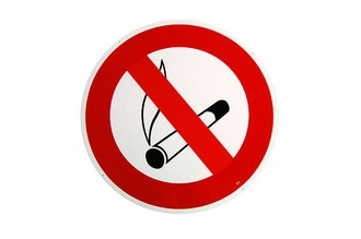 gro es rundes 41cm durchmesser rauchen verboten schild hausnummern und schilder online kaufen. Black Bedroom Furniture Sets. Home Design Ideas